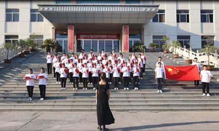 阳泉师专中文系分团委举办庆祝建党一百周年歌咏比赛